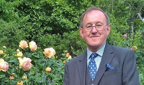 Douglas Shearer awarded MBE for over 40 years devoted to Social Work | Team Fostering